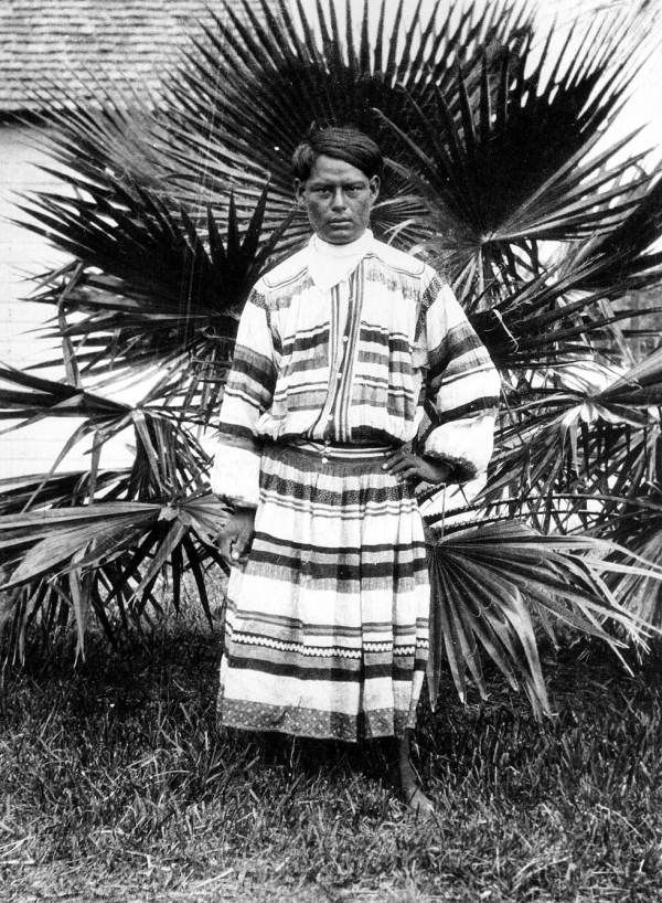an introduction to the seminole a tribe made up of indians from many tribes The seminole nation is traditionally from florida and enjoyed many of the foods found naturally in the area one unique aspect of the seminole community is that it was made up of different nations, especially creek nation, that welcomed africans and the descendants of original southern slaves into their group as well.